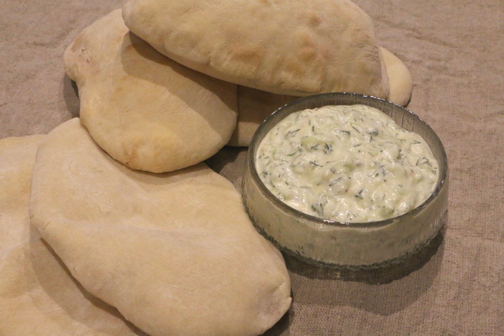 tzatziki with pitta bread